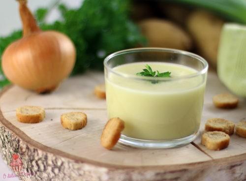 Velouté de poireaux et pommes de terre au cantal