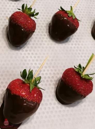 Sucettes de fraises au chocolat